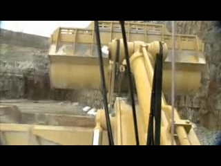 DANACH >: CAT 992K Wheel Loader Loading from In Cab
