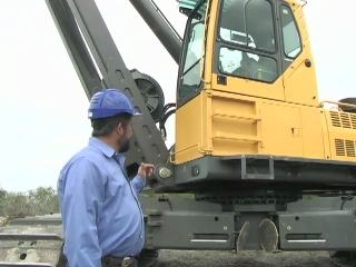Volvo Pipelayers Features  Cab Riser (Part 9 17)