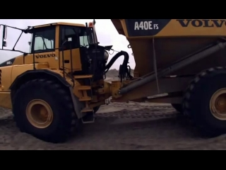 DANACH >: Сочлененные самосвалы Volvo E-series