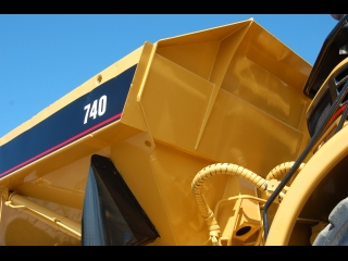 AFTER >: CAT 740 Dumper used